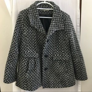 Women's Kenneth Cole Coat Size 14 Black & White